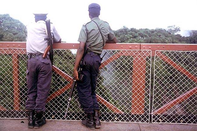 soldiers_bridge