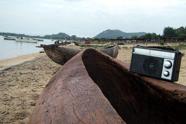venice_beach_boat_radio