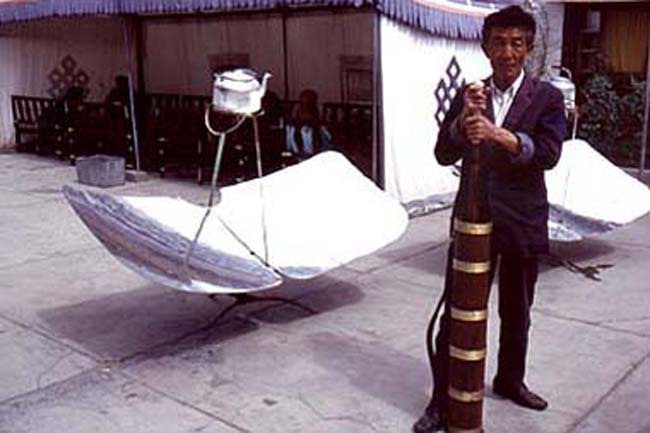 Making tea in Lhasa