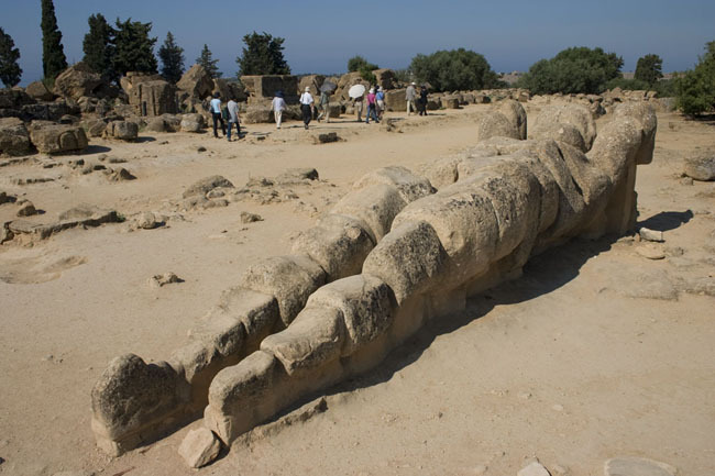 agrigento_memon_tourists