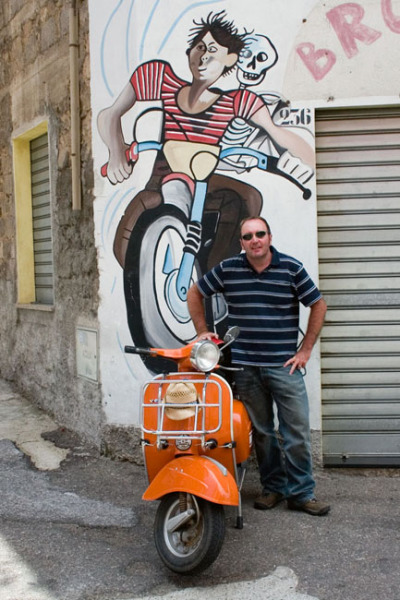 orgosolo_peter_marcello_bike_mural