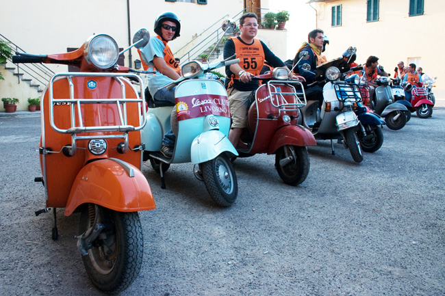 pisa_night_rally_marcello_livorno_vespa_club