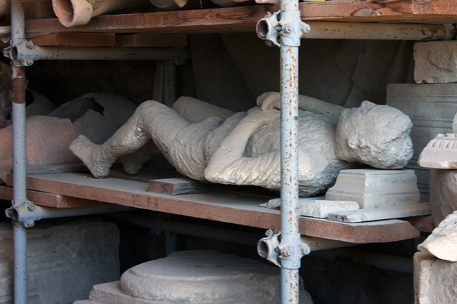 pompeii_body_on_a_shelf