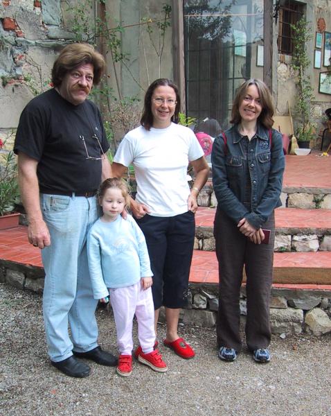Sally with Svetlana and Franco and their daughter Villa Le Cappane